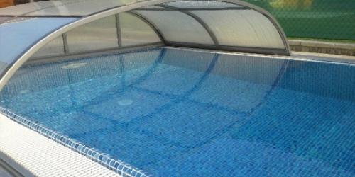 Prelivový typ bazéna